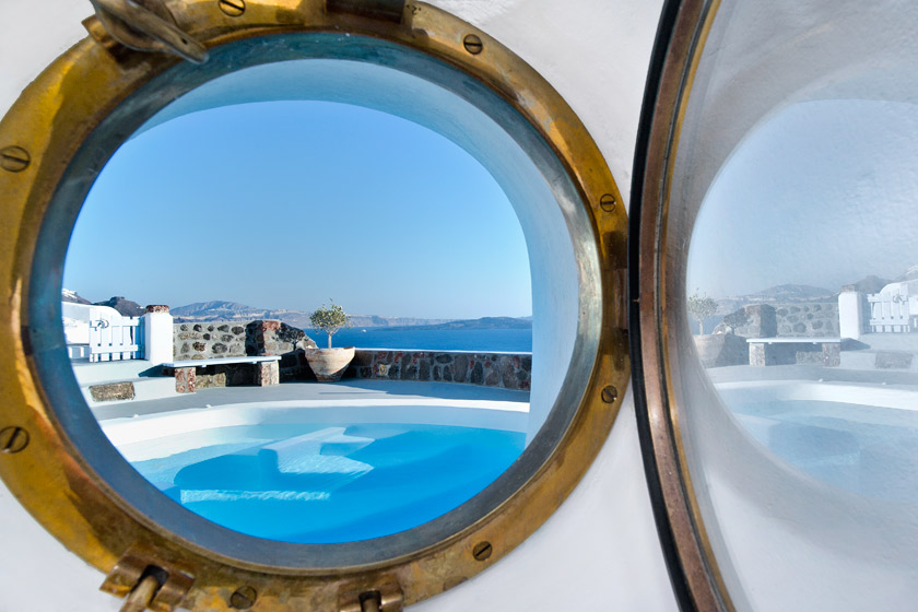 Villa Gaia – the ideal choice for your accommodation in Santorini (up to 4 persons)