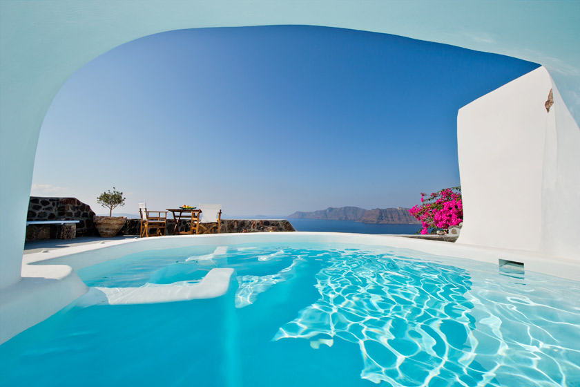 Villa Hydor  – the perfect accommodation for your vacations in Santorini (up to 4 persons)